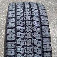 冬用タイヤ 225/80-17.5/750R16